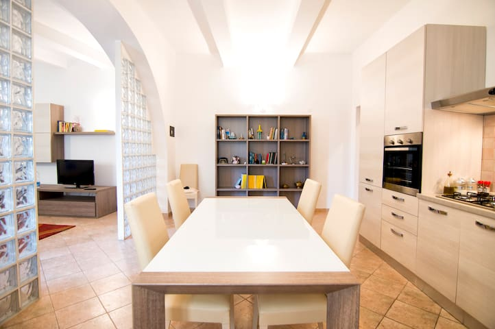 Cozy Historical Apartment - Piombino