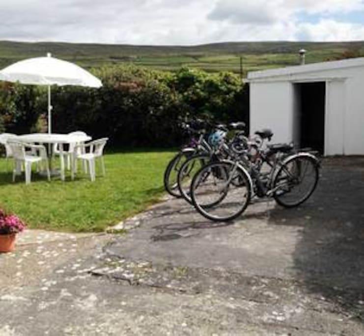 Kostenlose Fahrräder für die Gäste.
