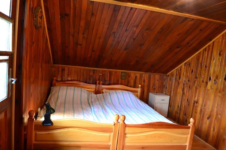 Sleeping room II