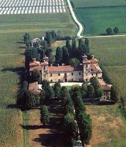 camera da letto matrimoniale tripla - Casteldidone