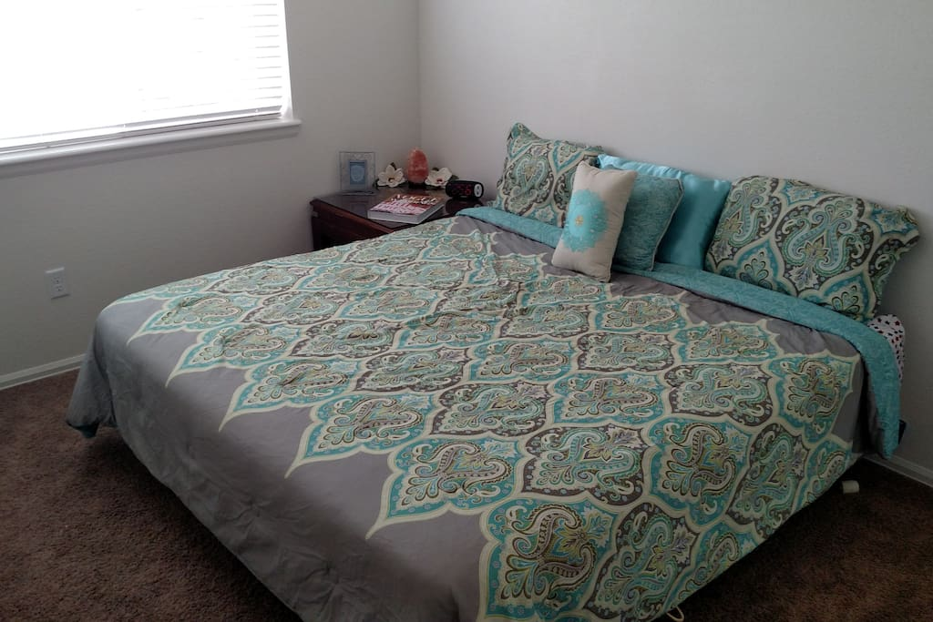 PRIVATE BEDROOM 1 Cali-King Bed in Private Room. Futon Couch that folds into bed available in Living Room also 2 single air mattresses.