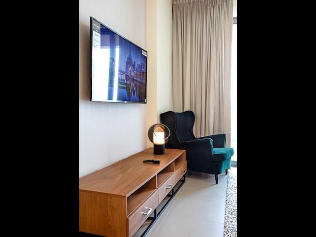 2 spacious bedrooms apartment Marasi Boulevard
