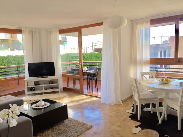 Apartment close to the sea front