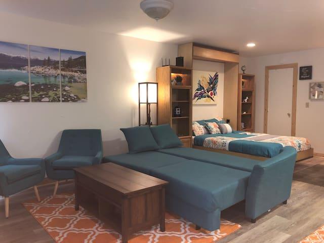 Studio-Shared Hot-tub/Sauna/pool near Kings Beach