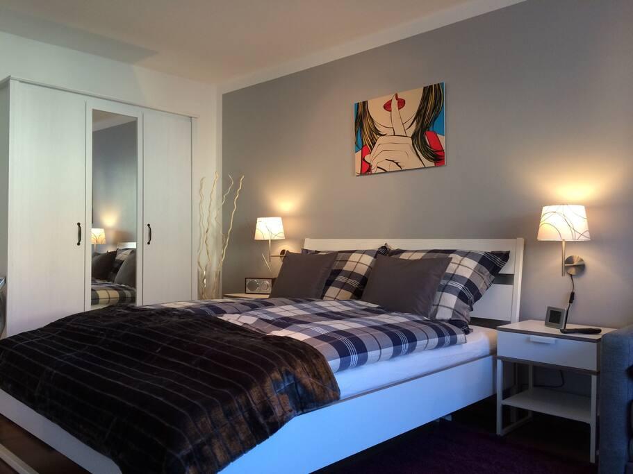Doppelbett 1,60 m x 2,00 m / double bed
