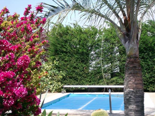 B&B in einem Haus mit Pool (1)