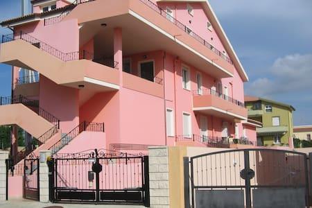 Spacious Two-bedroom apartment - Olmedo - Lejlighed