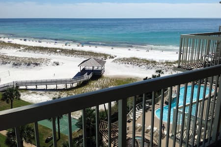 Beautiful destin Condo w/Ocean view