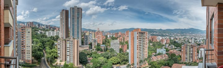 Perfect Location in Poblado Room #1