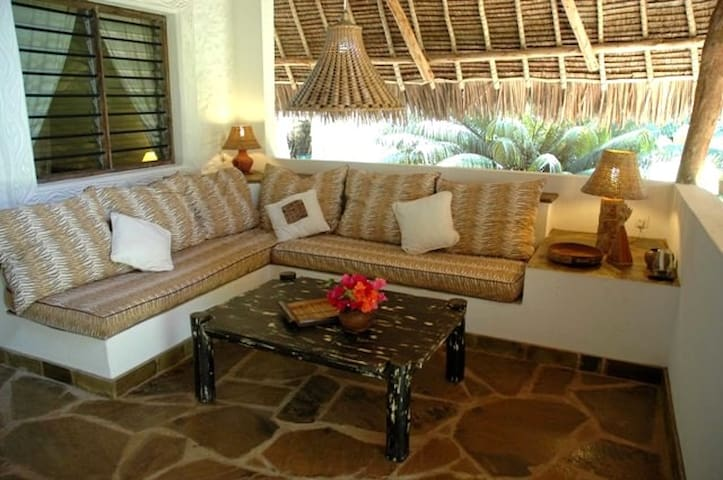 Tembo Cottage in Shambani - Diani Beach - Casa