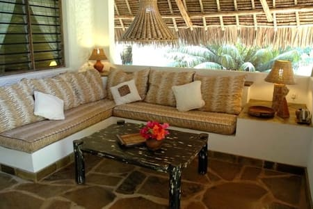 Tembo Cottage in Shambani - Diani Beach - House