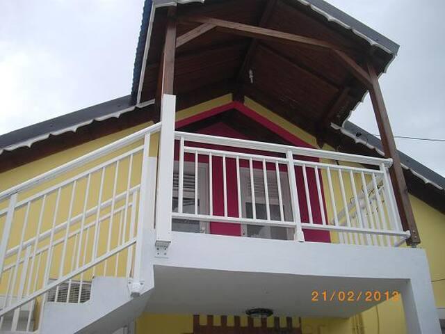 Très beau F2, Lamentin Guadeloupe - Lamentin - Huis