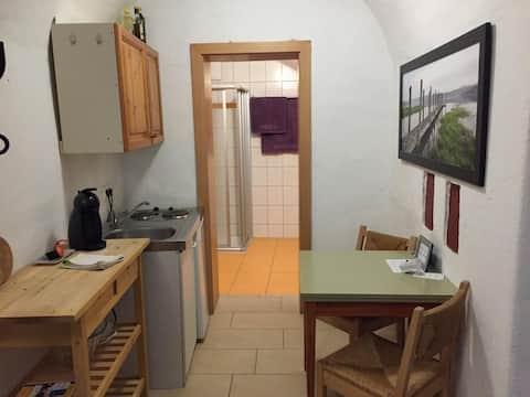 Klein praktisch appartement in Schürerplatz 4