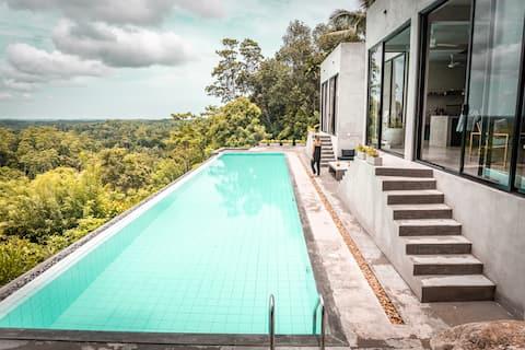 NAKED villa - Luxury Villa close to Galle.