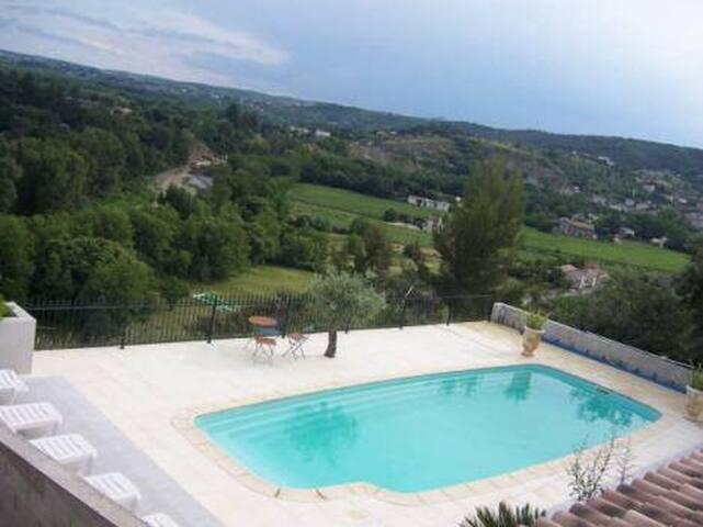 Mas provençal XVIII S : gîte 85 m2 5 à 7 personnes - Saint-Ambroix