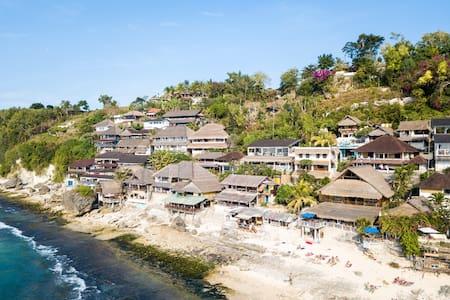 Tropical Hillside Cabin Above Bingin Beach