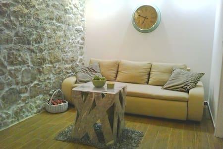 Sutomišćica 2BD apartment - Sutomišćica