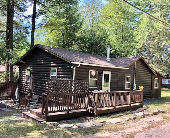 Zen Smallwood Cabin Near Bethel Woods Pets Welcome