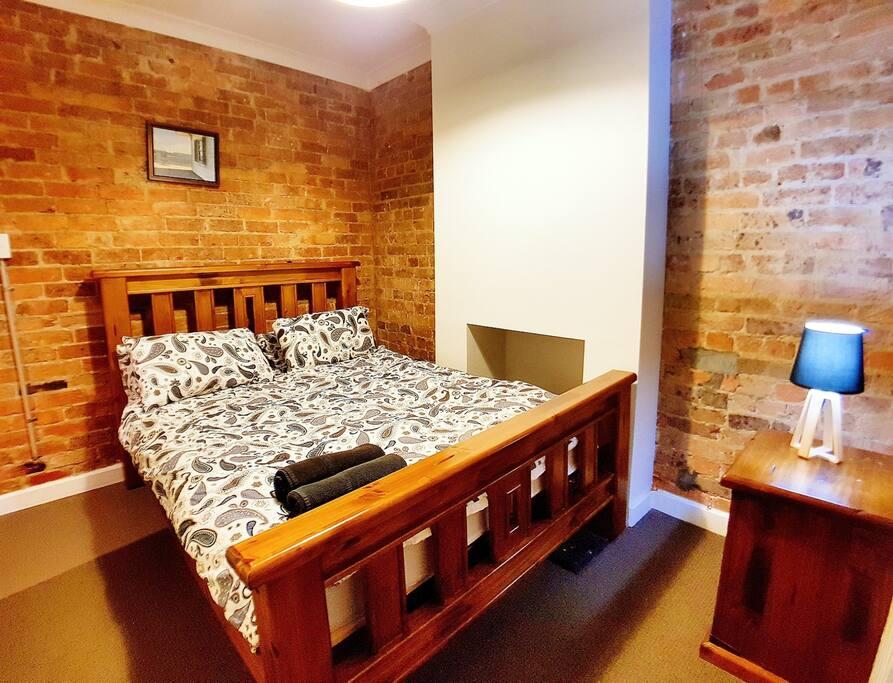2 Schlafzimmer in viktorianischem Stadthaus 1-5 Personen - Häuser zur Miete in Chippendale, New ...