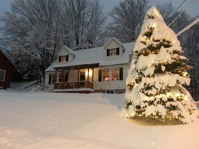 Cozy home Lake Placid Village