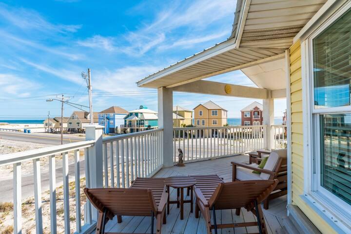 Beach Views, Fishing, Pet-Friendly Paradise! Sailor's Cove by Harris Properties