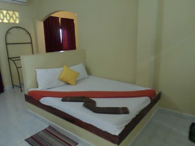 Vista Rooms Kandalama Gate Hotel - Dambulla - House