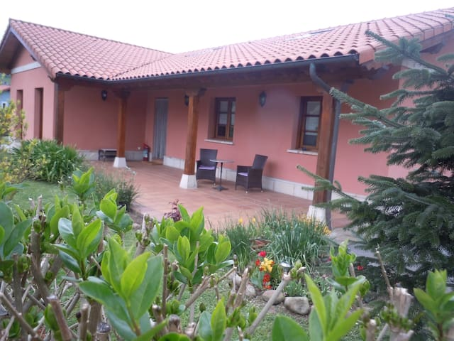 Casa con encanto a orilla del Pas - Cantabria - Ház
