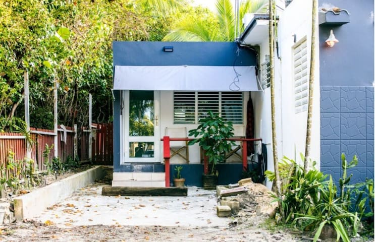 DK Back Yard Surf Shack - Apartment #1