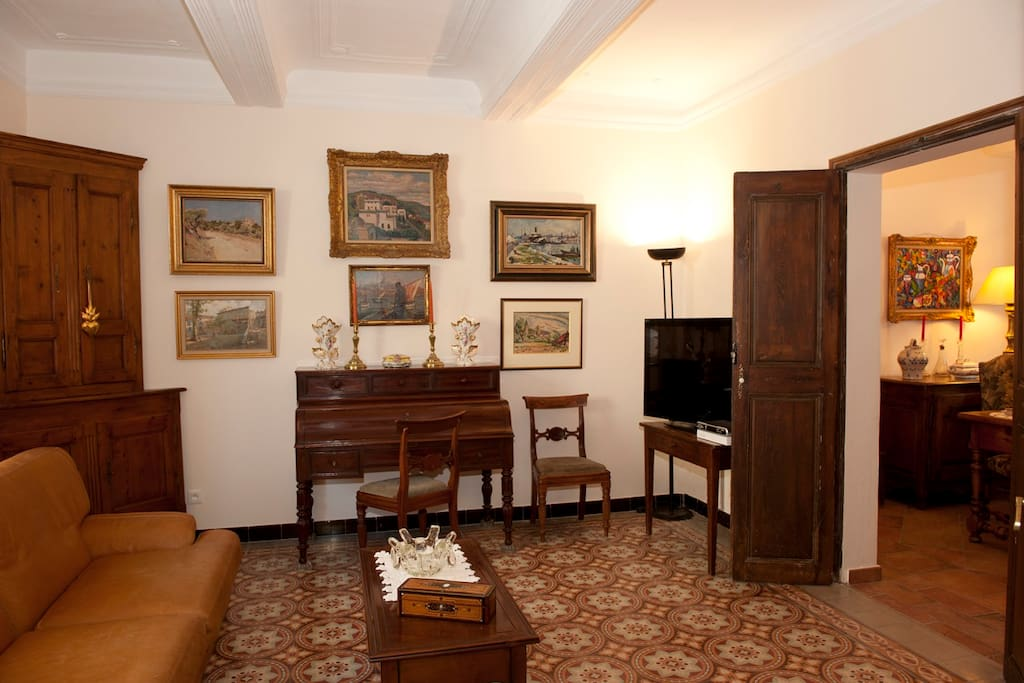 Chambre ambre la maison du peintre en provence bed for Chambre 6095