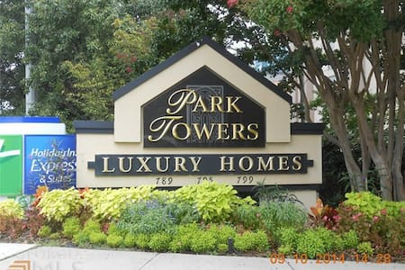 Dunwoody Luxury 1B HighRise Condo - Sandy Springs