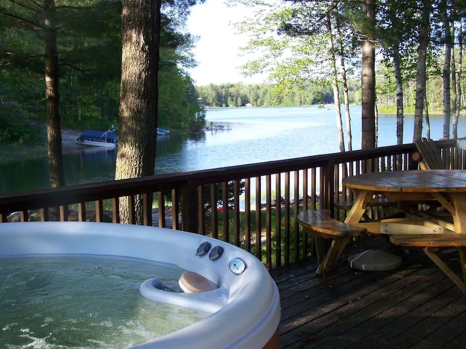 Outdoor hot tub on your own private deck