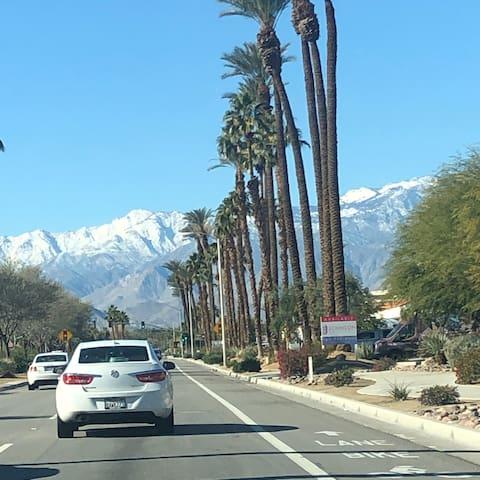 Rancho Mirage Retreat : Premiere Desert Location!