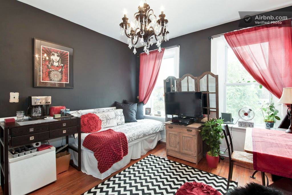 A beautiful studio, complete with Czech black crystal chandelier for the artist and non artist alike! You will feel elegant and inspired!