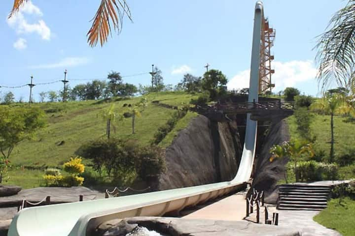 Flat Village das Águas - anexo ao parque Aldeias