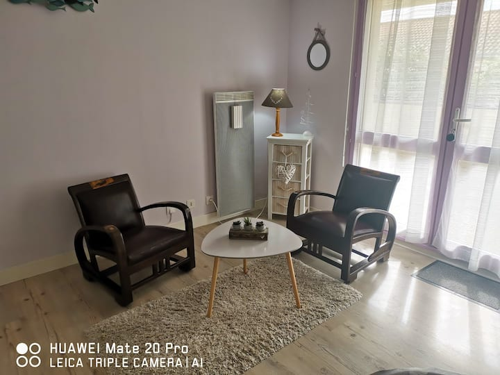 AGREABLE LOGEMENT 3*, GARAGE PRIVE, CENTRE NIORT