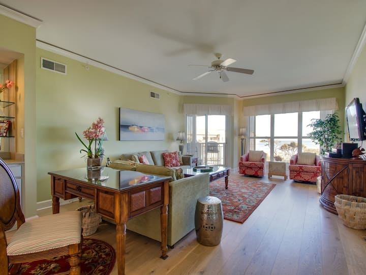 5505 Hampton Place ~ Just Steps from the Beach!