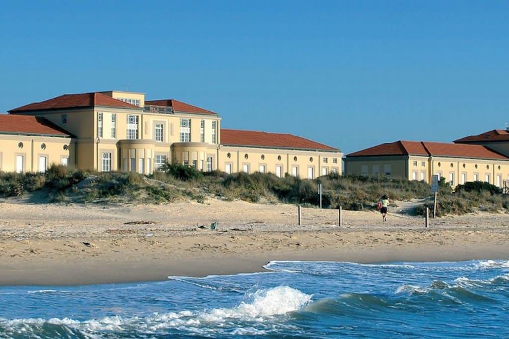 La spiaggia sotto casa appartamenti in affitto a for Ascensore casa sulla spiaggia