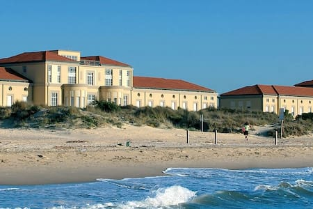 THE HOUSE ON THE BEACH - Tirrenia - Apartment