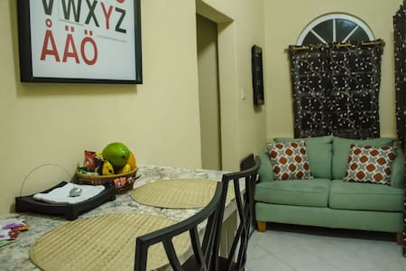 Private, Modern Christ Church Studio Apartment - Oistins