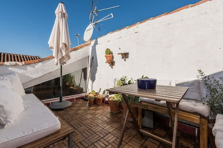 Penthouse with terrace in Chueca