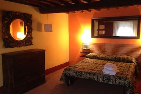 camera d'artista - Reggello - Bed & Breakfast