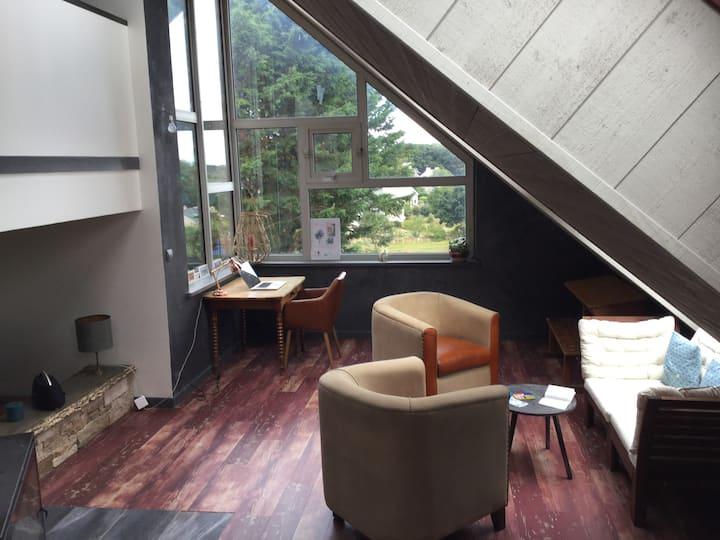 Plouguiel : la roche Jaune maison avec vue