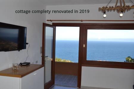 """Nuovo cottage """"LIGHT BLUE"""" con vista mozzafiato"""