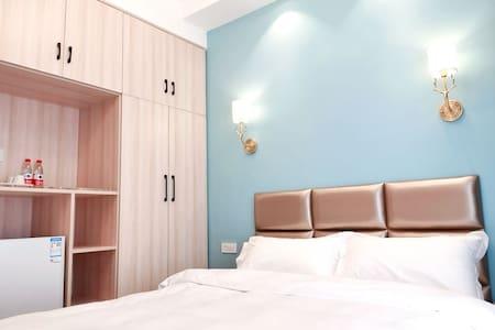 (07)北欧轻奢风格精装的红马公寓竭诚欢迎您的光临!