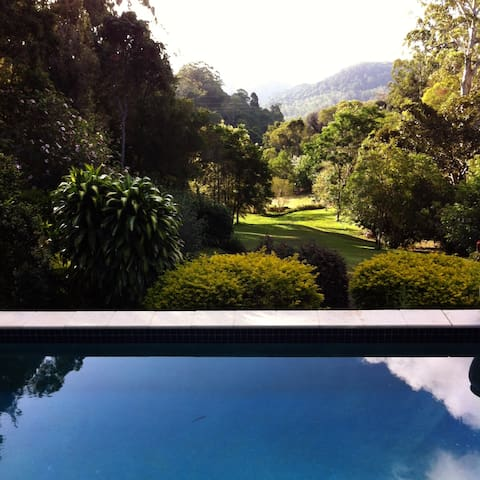 Tranquil Private Home - Queen B'room 1 - Montville