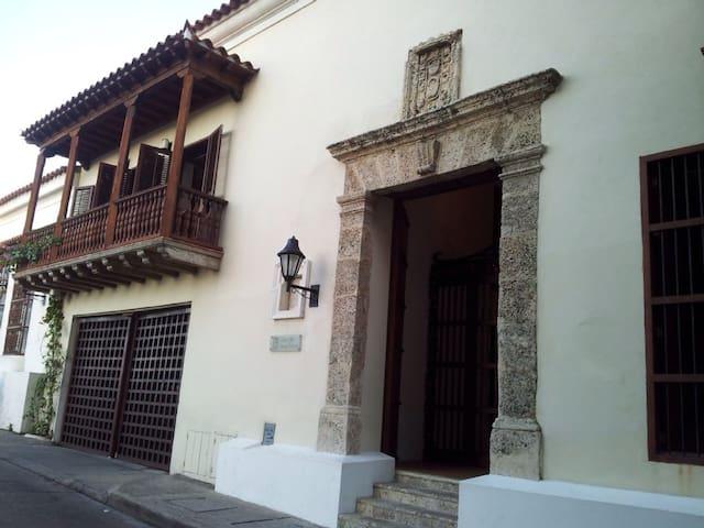 APART.  LUJO CON PISCINA Y JACUZZI - Cartagena - Casa