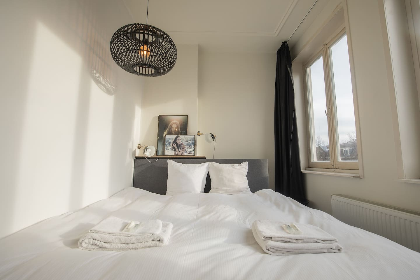 Luxurious Room @ Edge of the City Center
