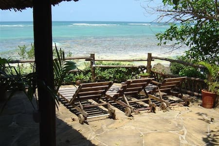 Bonde Cottage, Diani Front Row, direct seaview