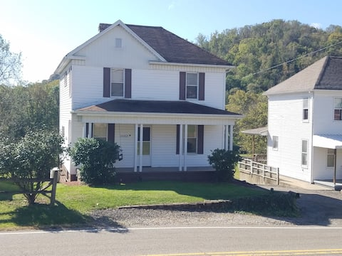4 bedroom house in Shadyside. Gas & Oil Workers