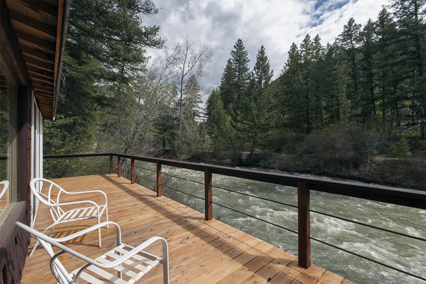 Relax on the deck along the creek!